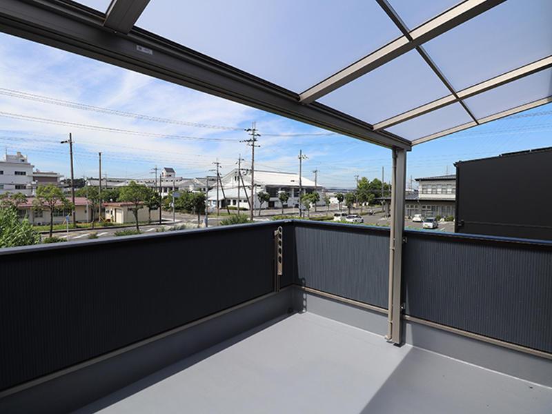 ゼロキューブ新築完成 バルコニーテラス|滋賀で家を建てるなら匠工房
