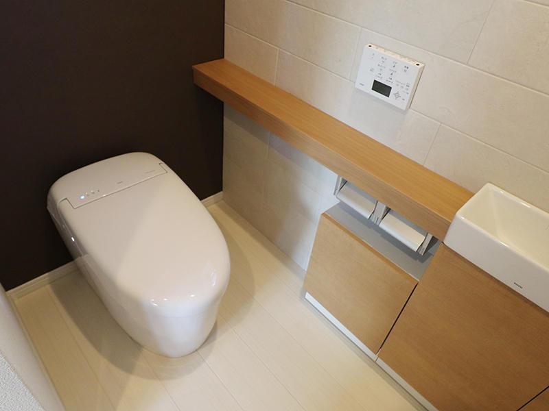 1階トイレはTOTO ネオレスト