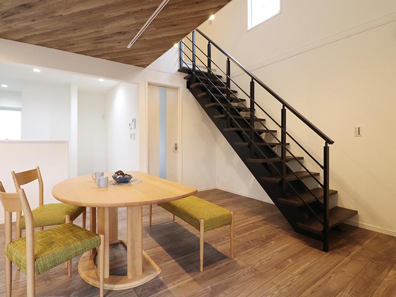 ゼロキューブ新築完成 アイアン手すり|滋賀で家を建てるなら匠工房