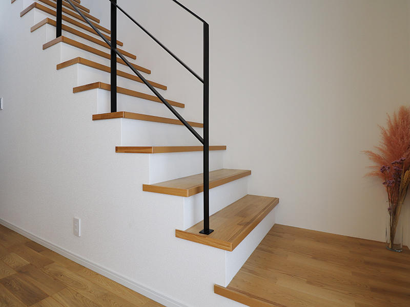 フォーセンス完成 階段|滋賀で家を建てるなら匠工房