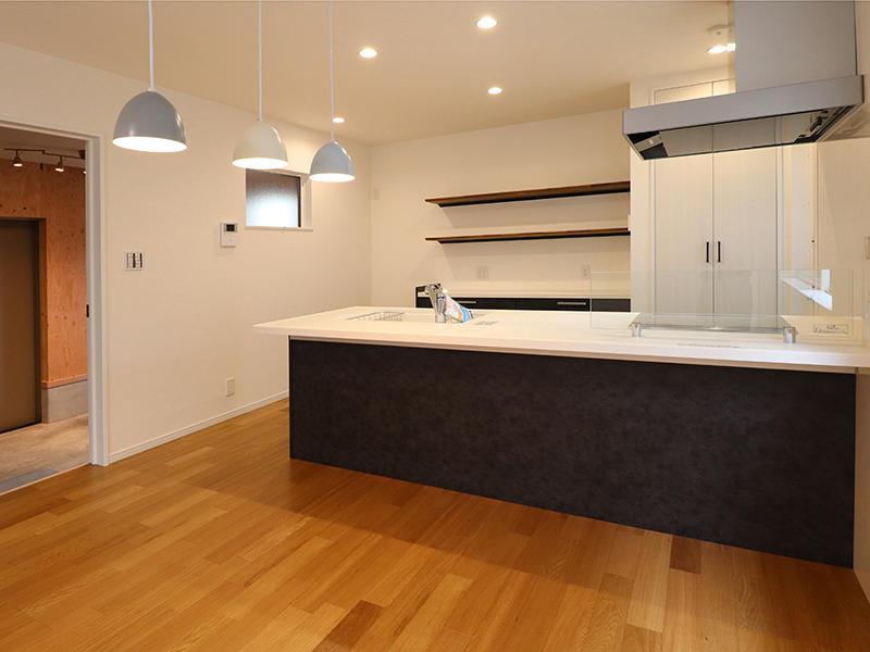 フォーセンス新築完成 対面キッチン|滋賀で家をたてるなら匠工房
