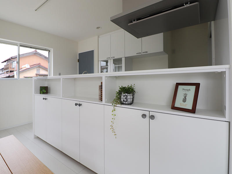 新築フォーセンス完成 キッチン前収納|滋賀でリフォームするなら匠工房