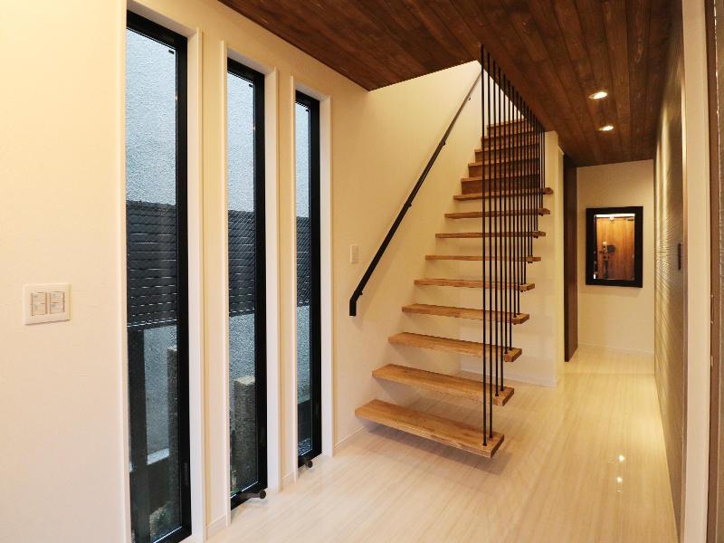 新築フォーセンス完成 階段|滋賀で家を建てるなら匠工房