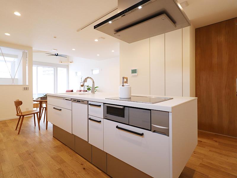 二世帯住宅フォーセンス新築完成|キッチン