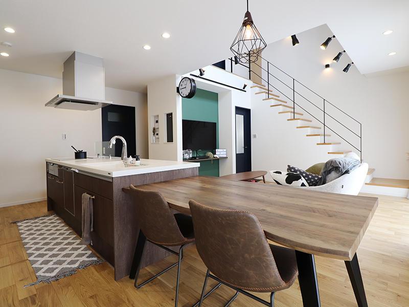 フォーセンス完成 ダイニング・キッチン|滋賀で家を建てるなら匠工房
