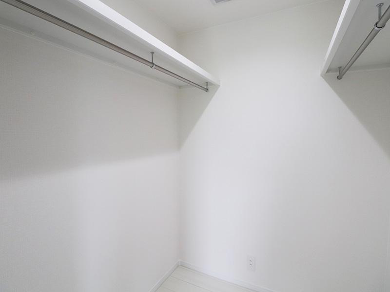 新築フォーセンス完成 ウォークインクローゼット|滋賀で家を建てるなら匠工房