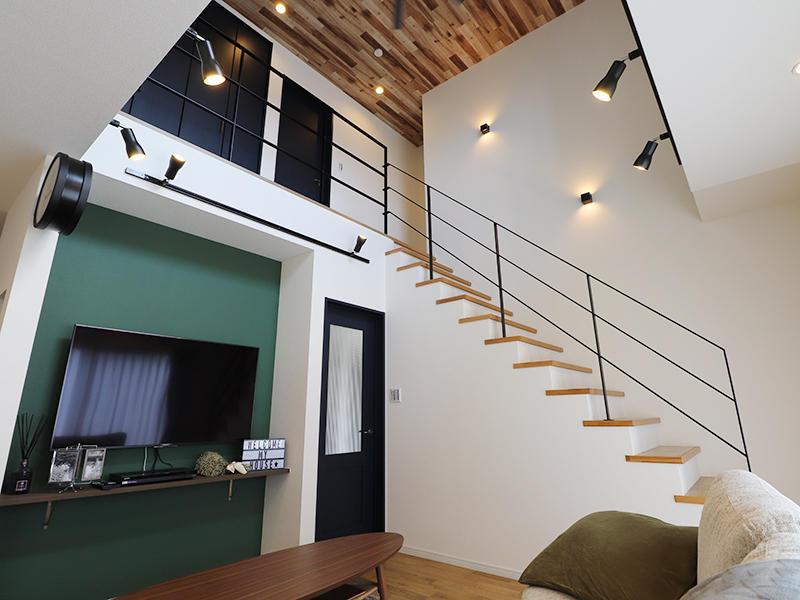 フォーセンス完成 吹き抜け階段|滋賀で家を建てるなら匠工房