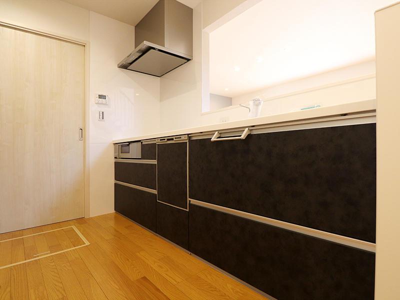 ゼロキューブ新築完成 システムキッチン|滋賀で家を建てるなら匠工房