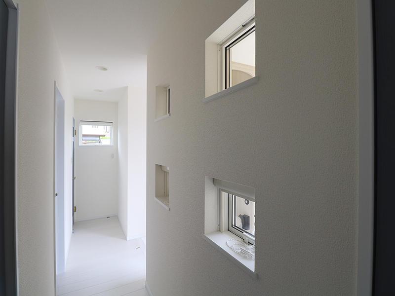 新築フォーセンス完成 廊下|滋賀でリフォームするなら匠工房