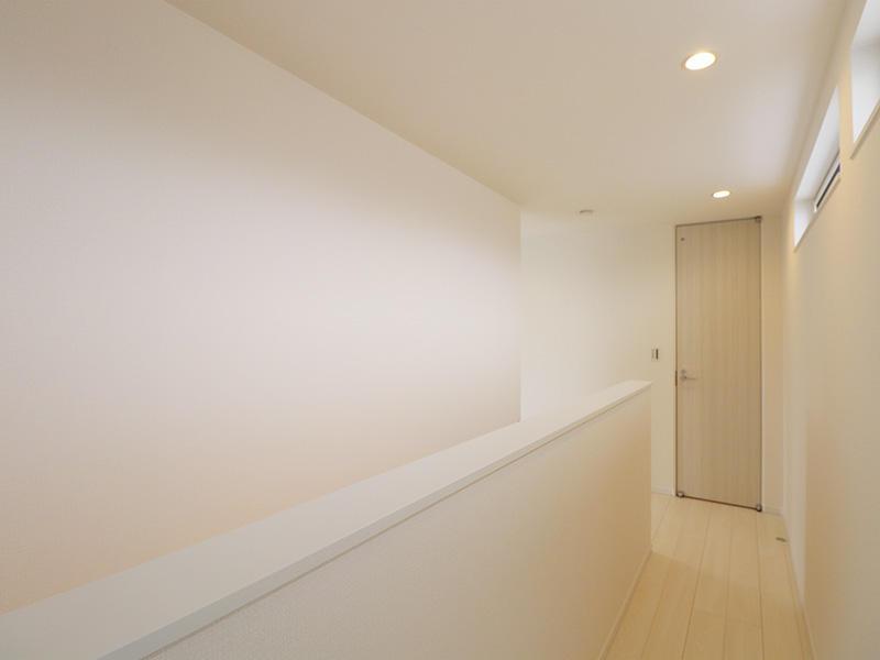 新築フォーセンス完成 2階廊下|滋賀で家を建てるなら匠工房