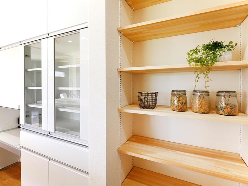 フォーセンス新築完成 キッチン収納|滋賀で家を建てるなら匠工房