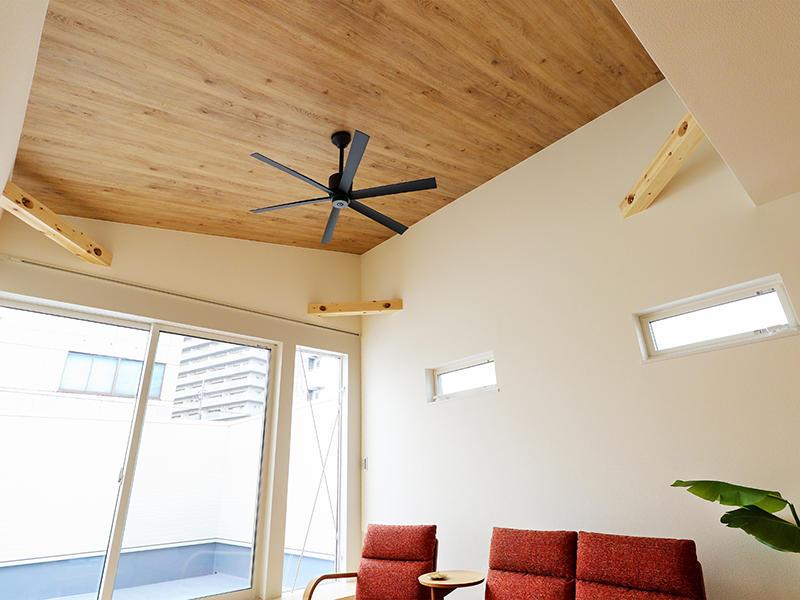 二世帯住宅フォーセンス新築完成|天井 アクセントクロス