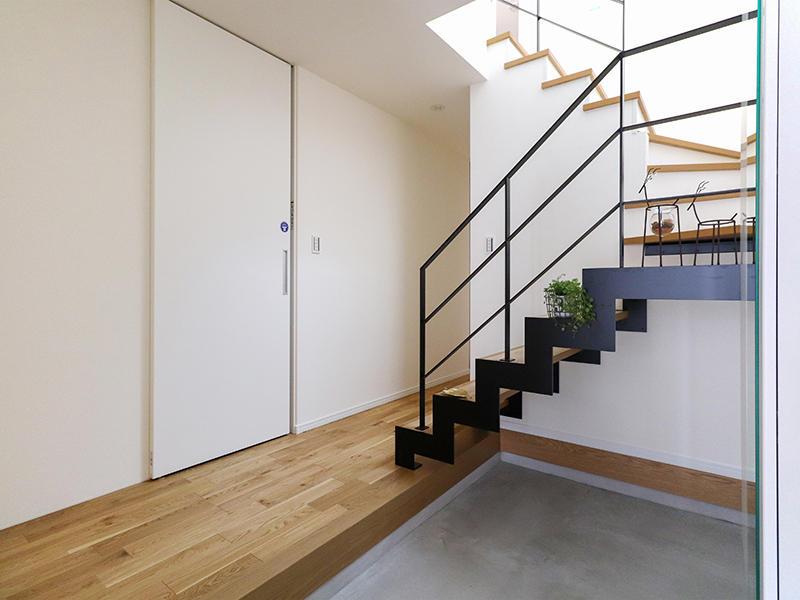 二世帯住宅フォーセンス新築完成|玄関