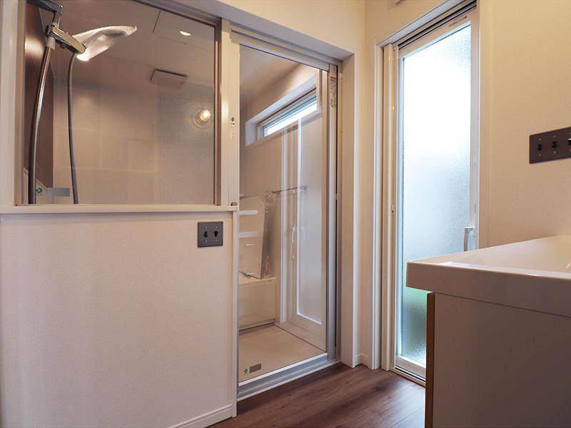 新築ゼロキューブマリブ完成 洗面脱衣室|滋賀で建てるなら匠工房
