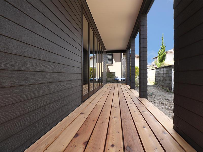 新築ゼロキューブマリブ完成 ウッドデッキ|滋賀で建てるなら匠工房