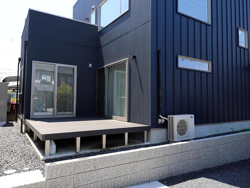 新築ゼロキューブ完成 ウッドデッキスペース|滋賀で家を建てるなら匠工房