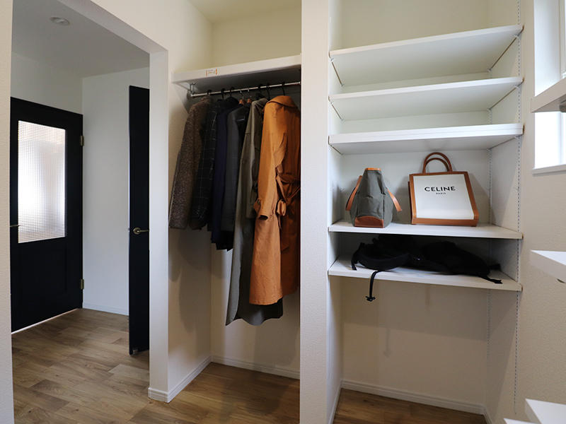 フォーセンス完成 玄関収納|滋賀で家を建てるなら匠工房