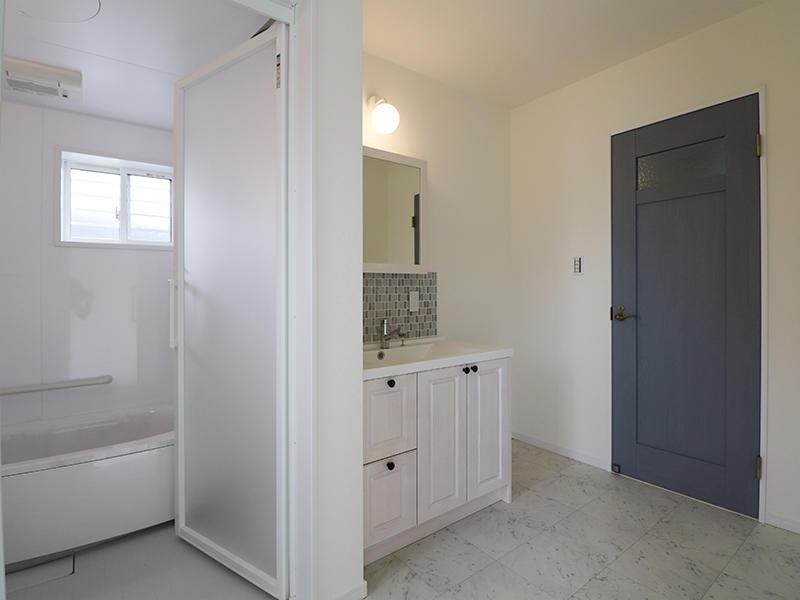 新築フォーセンス完成 洗面脱衣室|滋賀でリフォームするなら匠工房