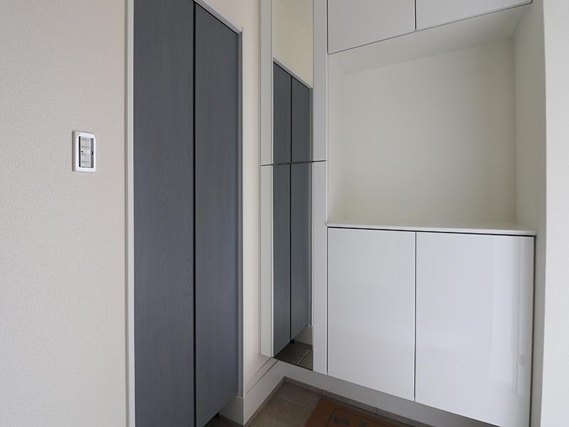 新築フォーセンス完成 玄関|滋賀でリフォームするなら匠工房