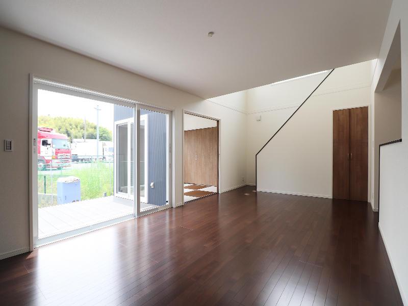 新築ゼロキューブ完成 大きな開口窓|滋賀で家を建てるなら匠工房