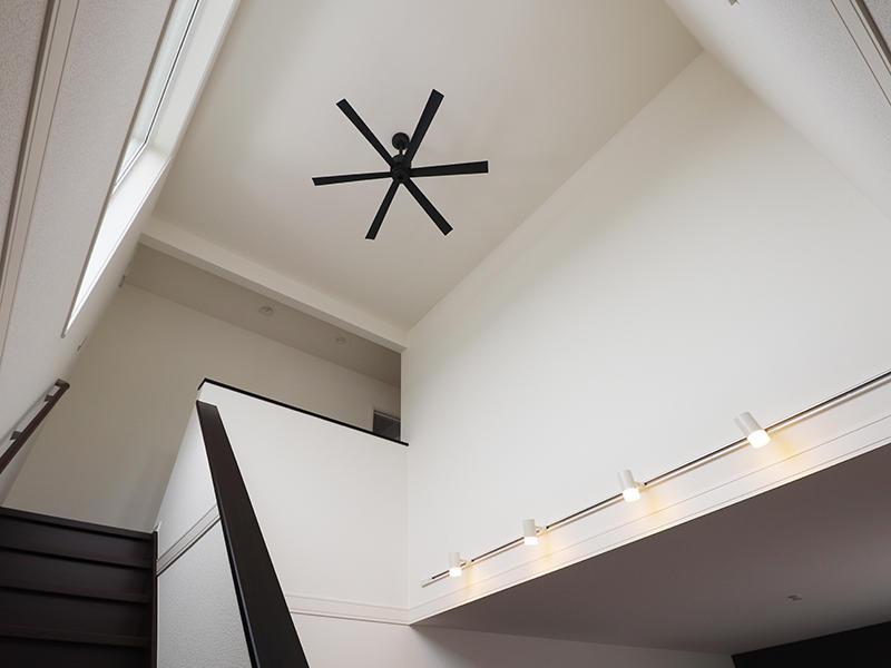 新築ゼロキューブ完成 シーリングファン|滋賀で家を建てるなら匠工房
