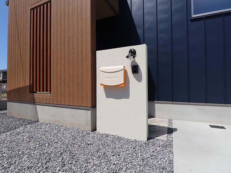 新築ゼロキューブ完成 エントランス|滋賀で家を建てるなら匠工房