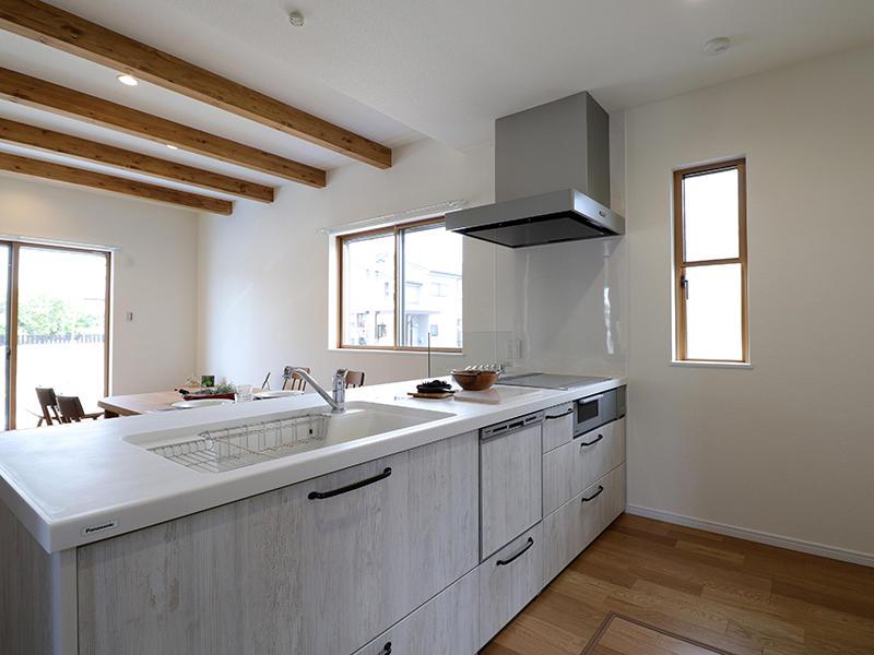 キッチン オープンなキッチンで家族の笑顔が見れる空間