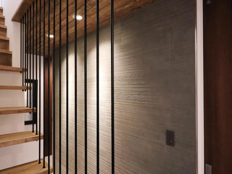 新築フォーセンス完成 上吊り階段|滋賀で家を建てるなら匠工房