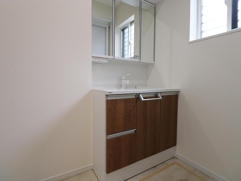 新築フォーセンス完成 洗面台|滋賀で家を建てるなら匠工房
