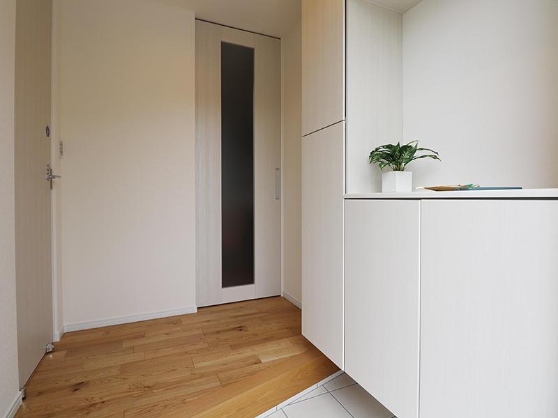 新築フォーセンス完成 玄関収納|滋賀で家を建てるなら匠工房