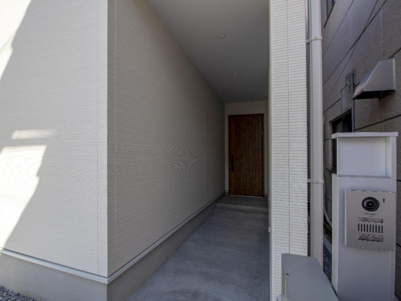 二世帯住宅フォーセンス新築完成|エントランス