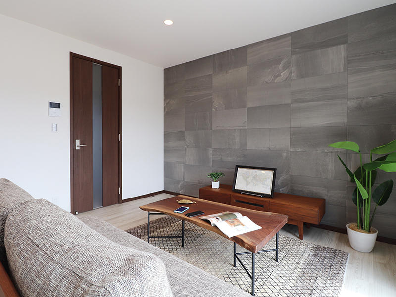 新築ゼロキューブ完成 アクセントにエコカラット|滋賀で家を建てるなら匠工房