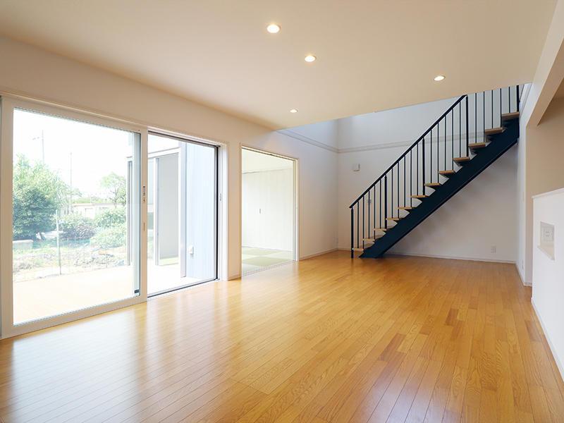 ゼロキューブ新築完成 大きな窓で解放感を|滋賀で家を建てるなら匠工房