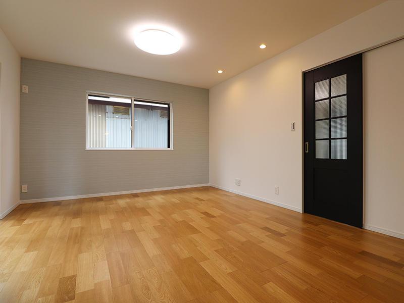 フォーセンス新築完成 アクセントクロス|滋賀で家をたてるなら匠工房
