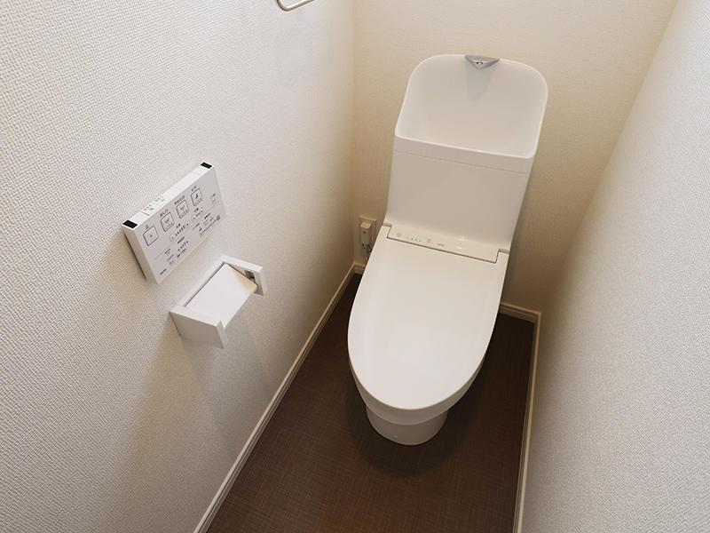 新築フォーセンス完成 2階:トイレ|滋賀で家を建てるなら匠工房