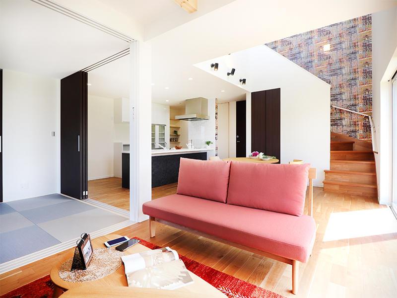 フォーセンス新築完成 リビング 和室|滋賀で家を建てるなら匠工房
