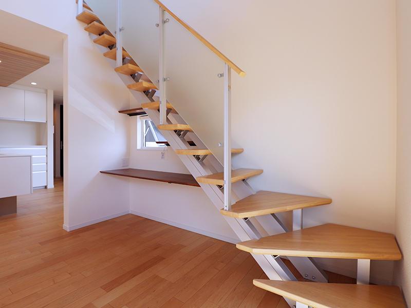 シンプルにした階段