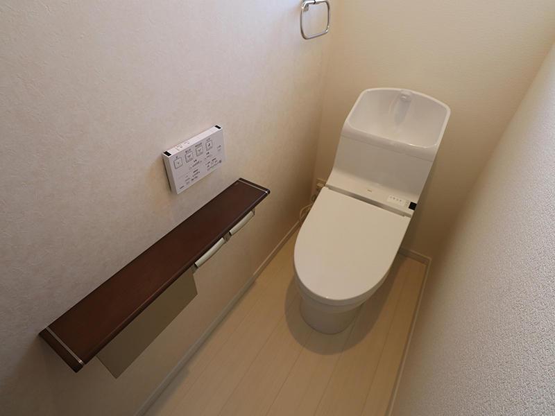 2階トイレはTOTO HV
