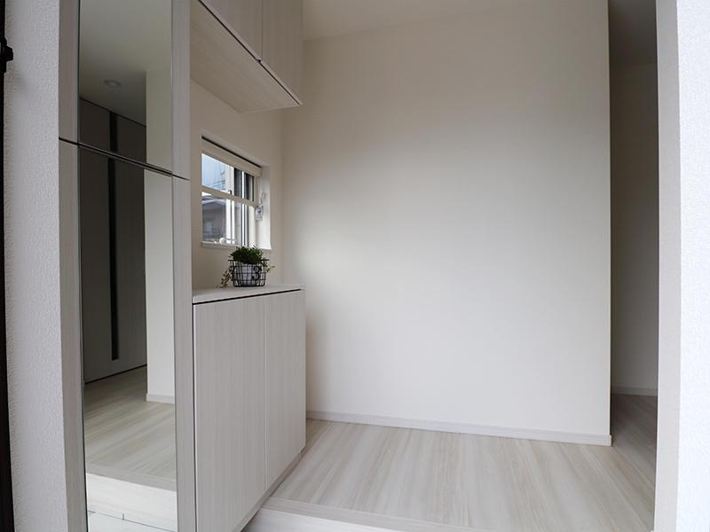 フォーセンス完成 玄関|滋賀で新築建てるなら匠工房