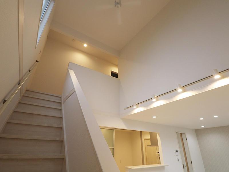 ゼロキューブ 吹き抜けで開放的|滋賀で新築建てるなら匠工房