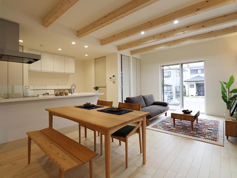 新築フォーセンス完成 梁見せ|滋賀で家を建てるなら