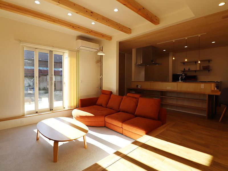 新築完成 段差のあるリビング|滋賀で家を建てるなら匠工房