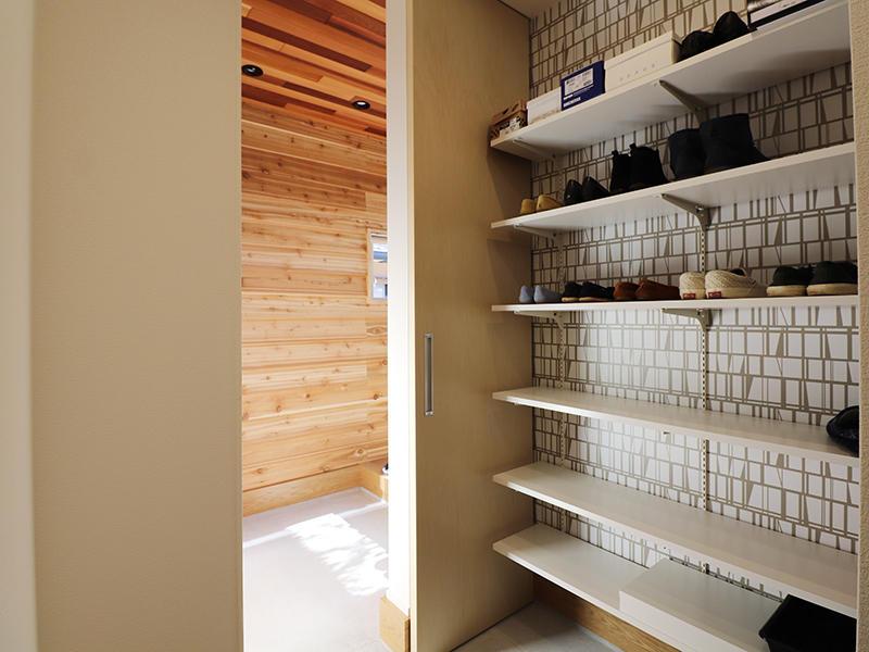 新築完成 玄関収納|滋賀で家を建てるなら匠工房