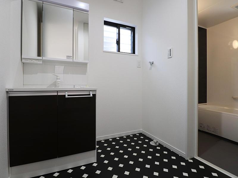 新築フォーセンス完成 洗面脱衣室|滋賀で家を建てるなら匠工房