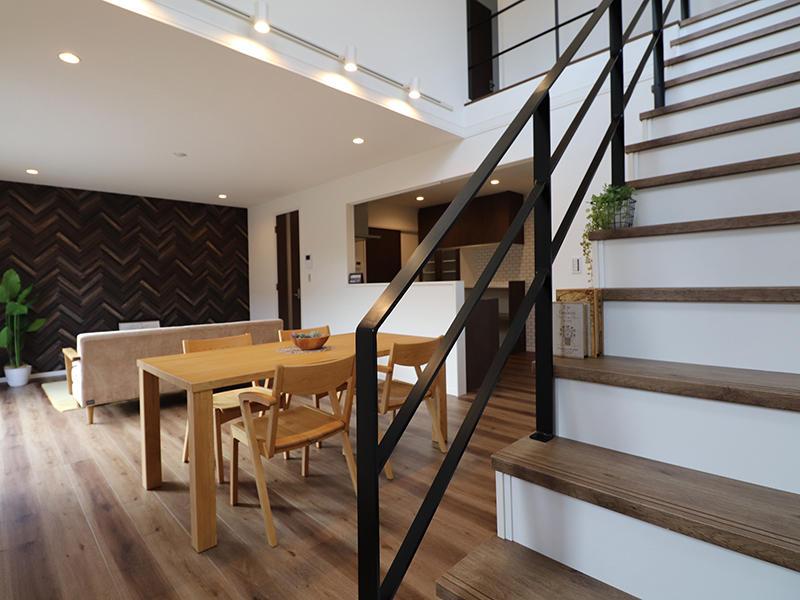 ゼロキューブ新築 階段|滋賀で家を建てるなら匠工房