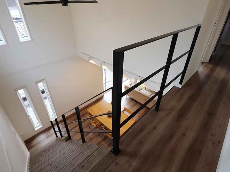 ゼロキューブ新築 アイアン手すり|滋賀で家を建てるなら匠工房