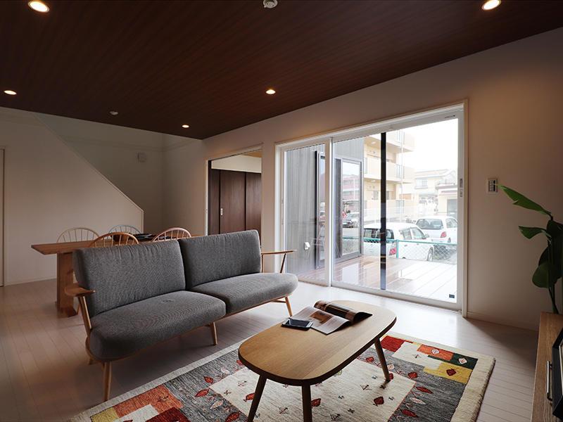 ゼロキューブ完成 リビングに大開口の窓|滋賀で家を建てるなら匠工房