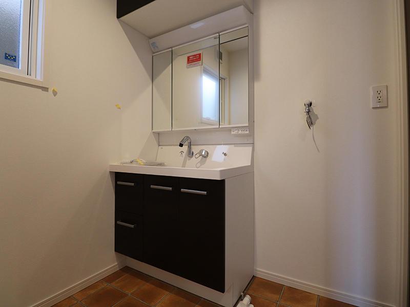 ゼロキューブ完成 洗面台|滋賀で家を建てるなら匠工房