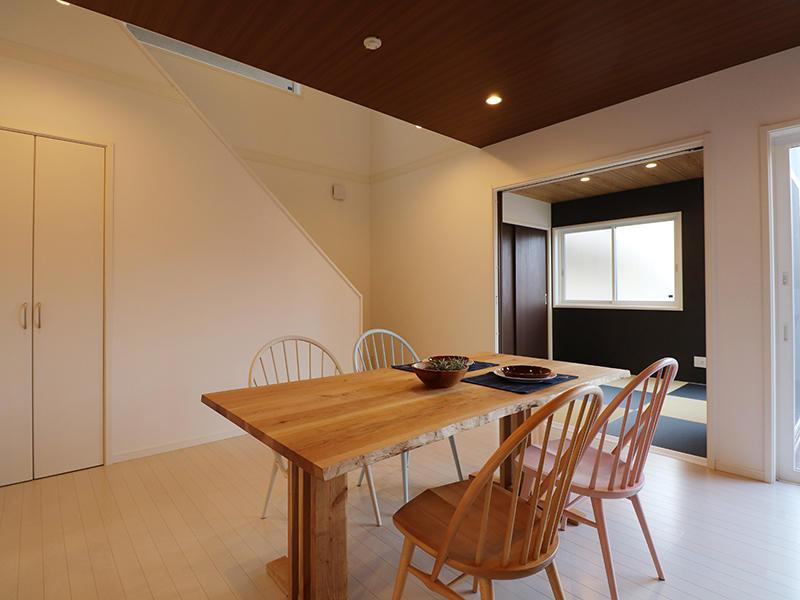 ゼロキューブ完成 リビング階段|滋賀で家を建てるなら匠工房