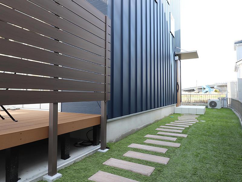 ゼロキューブ新築 アプローチ|滋賀で家を建てるなら匠工房